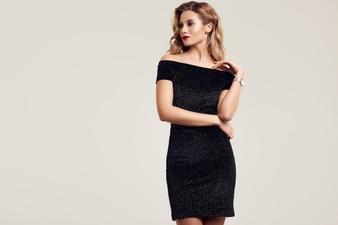 gorgeous-elegant-sensual-blonde-woman-wearing-fashion-black-dress_149155-242