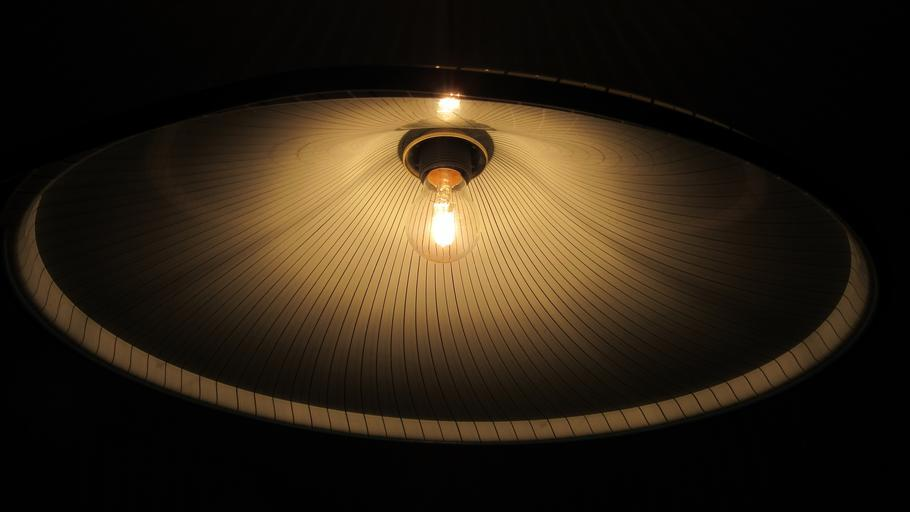 Luster so žiarovkou.jpg
